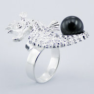 Sterling Silver Seahorse Ring with Pearl - Tahitian - side view