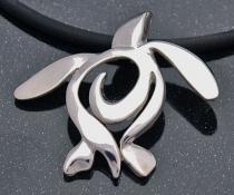 artistic sterling silver sea turtle pendant